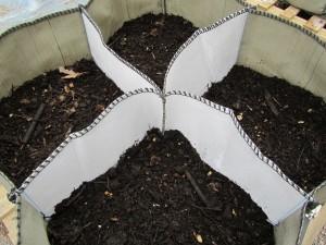 Kompostia istustussäkissä