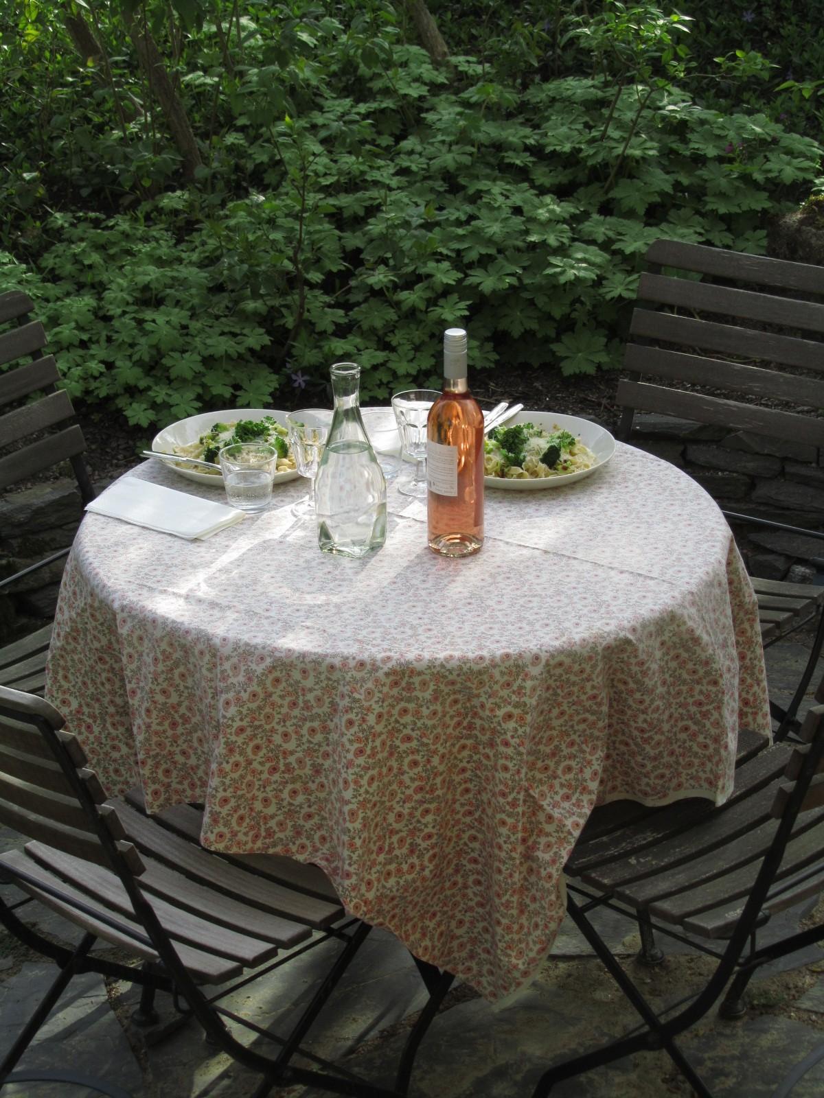 Päivällinen al fresco