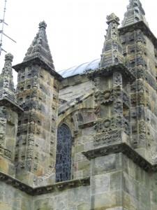 """""""Piiput"""" Rosslynin kappelin katolla"""