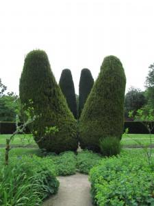 Flower Garden, Cawdor Castle Gardens: hassut marjakuuset