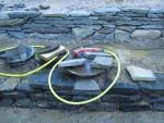Kesä toi kivityöt: alaterassin tukimuurit (1)