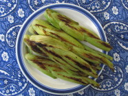 Grillattua salaattifenkolia