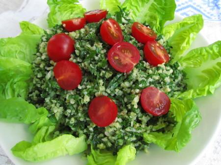 Klassinen tabbouleh-salaatti