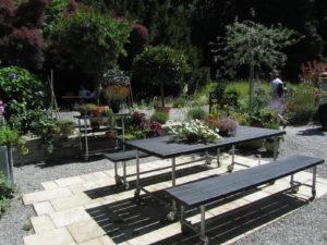 Moderni Biergarten-kalusto