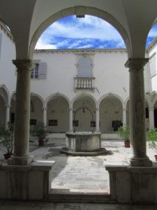 Fransiskaaniluostari Piranissa