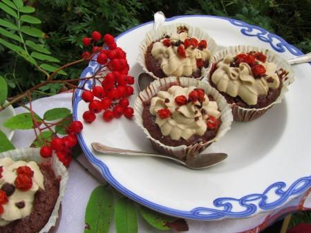 Pihlajanmarja-suklaamuffinsit