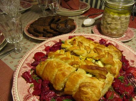 Lohipiirakka, herkkusilakat ja saaristolaisleipä joulupöydässä
