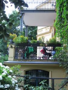 Sunnuntaiaamiainen Schwartzsche Villassa Berlin-Steglitzissa